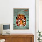 Swimming Tiger + Posterleiste 50 cm