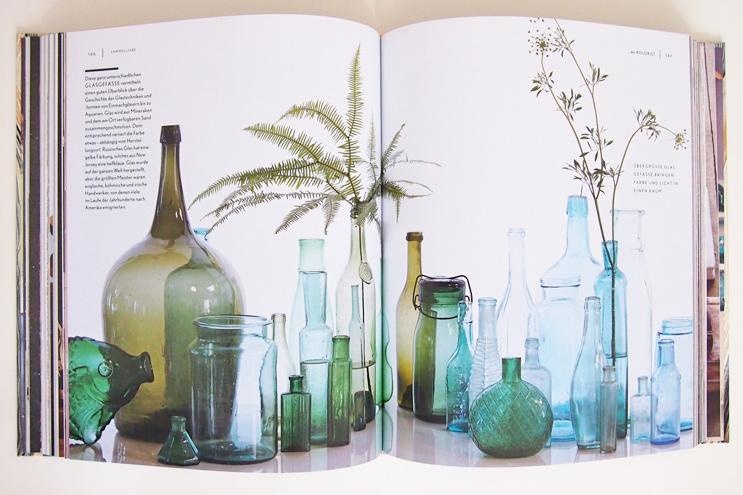 Sammlung von Glasgefäßen und Flaschen, sammeln, vintage, gläser, vasen, retro
