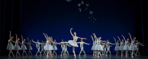 Diamonds auf der Bühne - Kostüme für das Ballett JEWELS des Choreographen George Balanchine von Designer Lorenzo Caprile für das Staatsballett Berlin