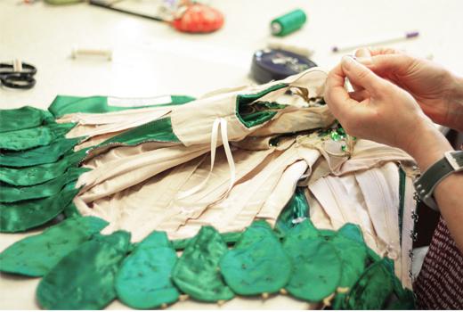 Kostüme für das Ballett JEWELS des Choreographen George Balanchine von Designer Lorenzo Caprile für das Staatsballett Berlin, Kostüme, emeralds,