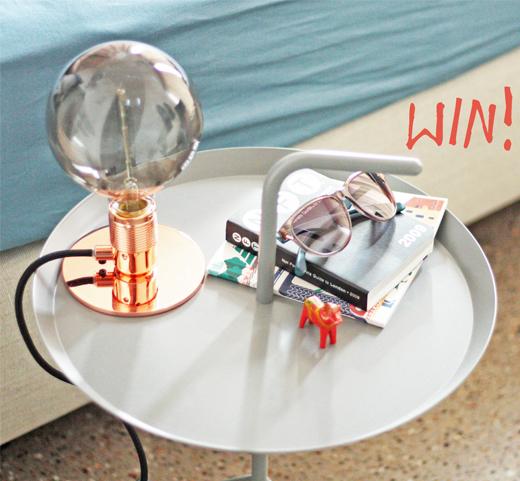 Im Gewinnspiel Frama Lampe in Kupfer mit Atelier Globe Light als XXL Glühbirne gewinnen