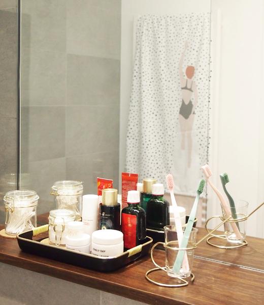 kunst und farbe im bad von der nasszelle zum wohlf hlzimmer the. Black Bedroom Furniture Sets. Home Design Ideas