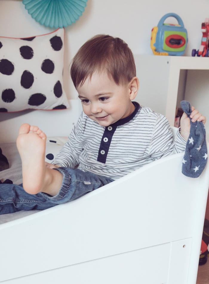 kinderzimmer einrichten und dekorieren ein kinderbett. Black Bedroom Furniture Sets. Home Design Ideas