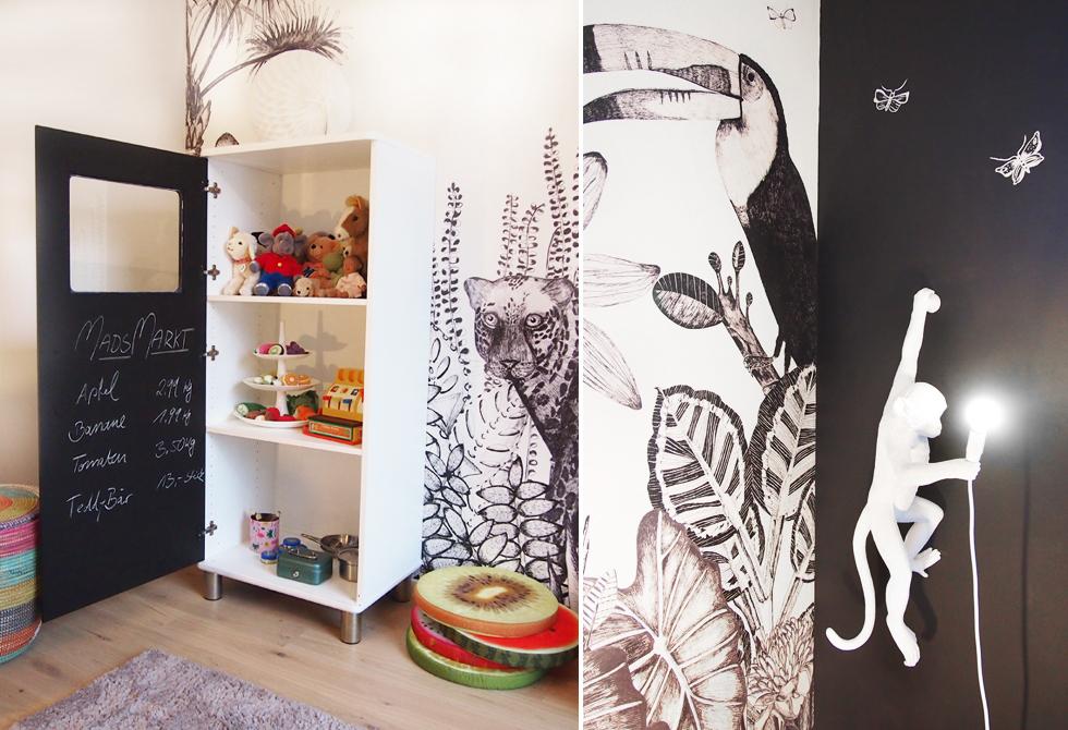 Kinderzimmer Einrichtung, Dekoration und DIY Ideen mit Urwald Tier Tapete THE WILD von Bien fait und Affenlampe Primate von Seletti