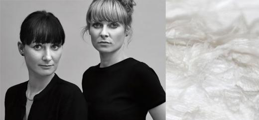 Labelgründerinnen Anne Trautwein und Anja Schneemann von Luxaa, mit TYVEK als innovatives Material für die Mode