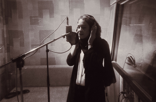 Sängerin Lara Maria Gräfen im Studio zu Aufnahmen des neuen Albums SEIN UND HABEN