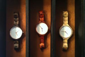 Uhren aus Holz von Accessoire Label Kerbholz in Berlin Fashion Week