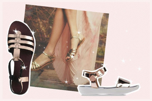 sandalen in der trendfarbe gold für den sommer