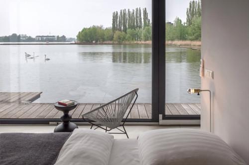 ferienh user und boutique hotels ber welcome beyond urlaub auf dem hausboot mitten in berlin. Black Bedroom Furniture Sets. Home Design Ideas