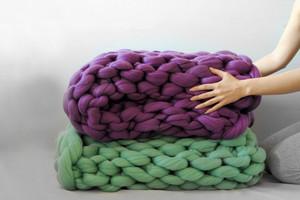 Decke aus Merinowolle in Grobstrick und XXL Masche von Ohhio
