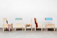 Autoprogettazione Möbel von Enzo Mari produziert von Flüchtlingen in Berlin innerhalb des Hilfsprojekts CUCULA