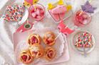 Rezept für Erdbeerschnecken mit Pudding und Erdbeer-Joghurt-Eis selber machen
