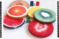 Stuhlkissen und Kissen von Erdbeeruniversum, Obstscheiben und Früchte im Digitaldruck, direkt online bestellen