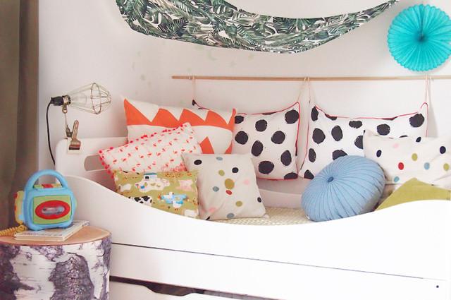 Mitwachsendes Kinderbett in Weiß zum Ausziehen und Verlängern