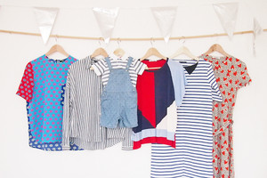 Modetrend im Sommer 2016 - Die Bluse mit Streifen und viel Blau, Weiß, Rot, Outfit, styling, stylingtipp