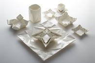 moij design mit Porzellangeschirr in Weiß im Origami Look , bestellen, Keramik