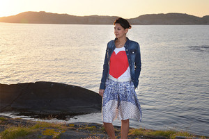 Dieses Outfit direkt online bestellen - Culottes Hosenrock und Herz-T-Shirt von Love Moschino
