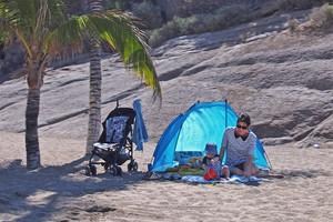 Verreisen mit Kind, die Strandmuschel muss immer ins Gepäck, koffer packen, tipps, empfehlungen,