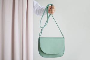 Handtasche aus Leder in Mint von alexbender
