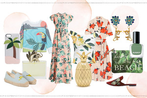 Modetrend im Sommer, Exotik mit Blumenmuster, Maxi Kleidern, Bademode und Blumen und Blätter Drucke, dazu viele Tipps gegen die Hitze