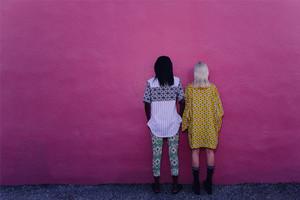 Das neue Urban Outfitters Magazin THE COLLECTIVE mit Thema MIAMI - Styling und Looks gleich online bestellen