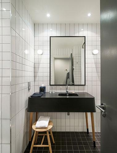 badezimmer ace hotel shoreditch london, schlichtes design, geschmackvoll