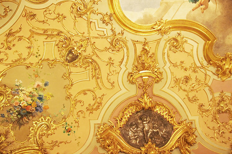Deckenzierde im Grand Hotel Villa Cora, Barock, Gold
