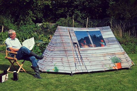 Zelt mit Hütten-Print von Field Candy