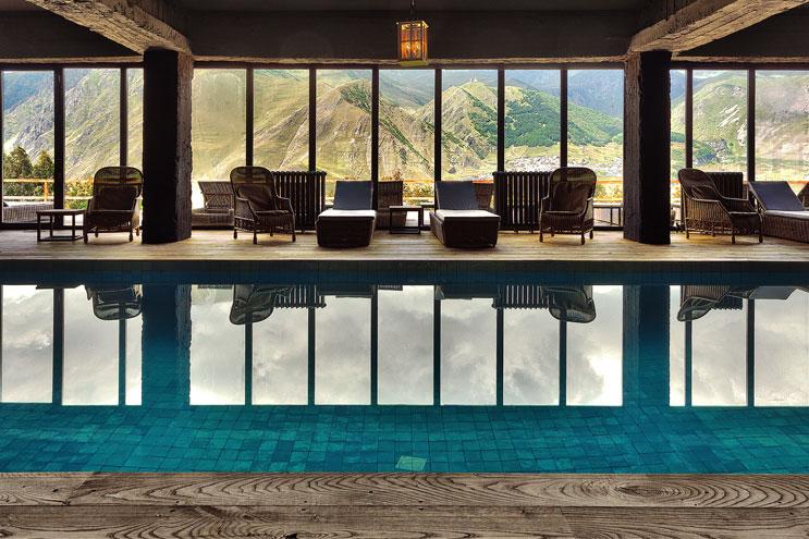Wellness mit Swimming Pool Rooms Kazbegi Georgien