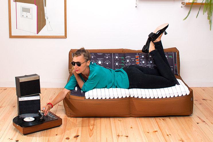 Sofa im Keyboard-Look aus der Kollektion von Woouf