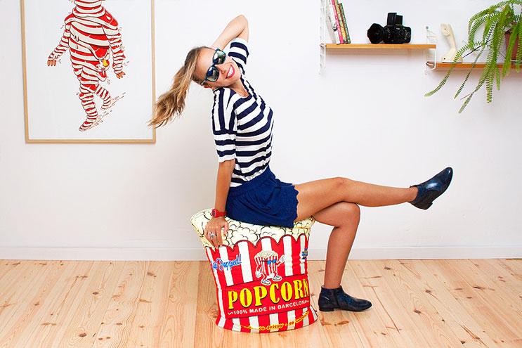 Pouf im Popcorn-Look von Interior-Label Woouf