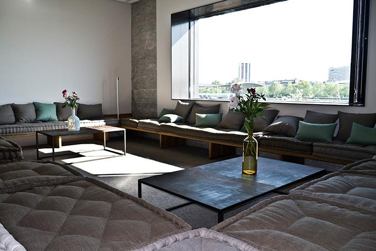 designhotel in mannheim zwischen beton und buddha im speicher7 the. Black Bedroom Furniture Sets. Home Design Ideas