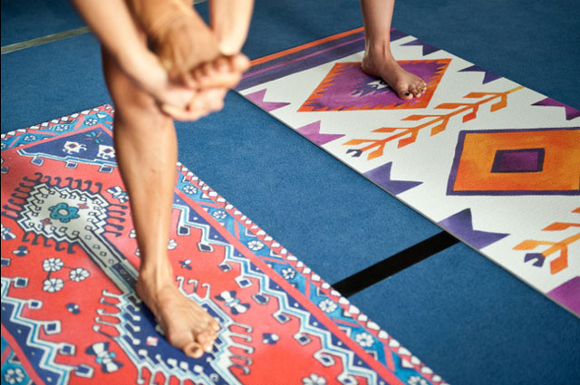 Bemalte Yogamatten von Magic carpet