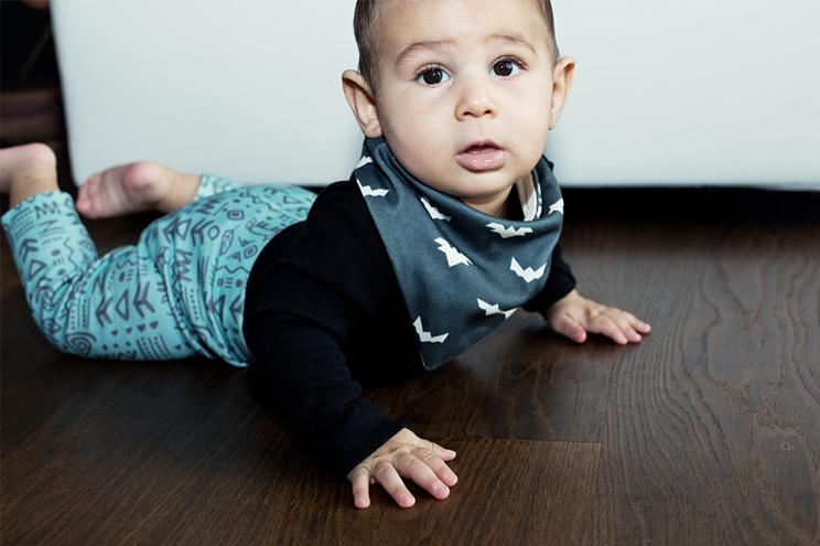 Halstuch für Kinder, Linder Leggings und Pullover aus Biobaumwolle mit Löwenkopf von Anny Who, online bestellen