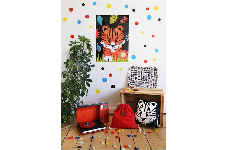 Wohnaccessoires, Dekoration, Kleidung aus Biobaumwolle für Kinder, Poster und Kissen für Kinder mit Prints und Tieren von Anny Who, online bestellen