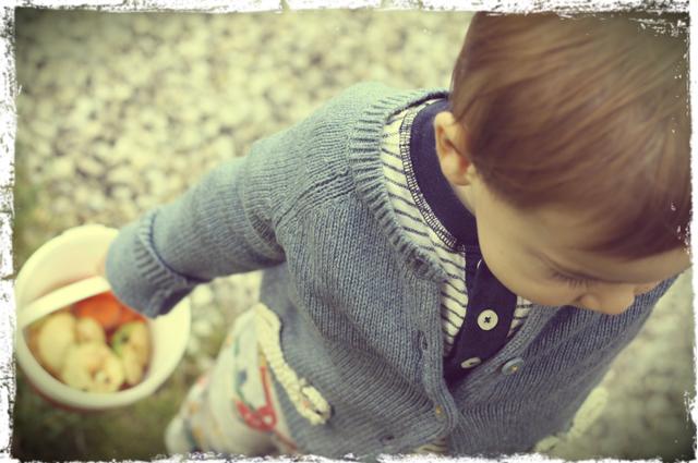 Kindermode von Boden für Jungen und Mädchen mit der neuen Herbstkollektion zum Thema Bauernhof