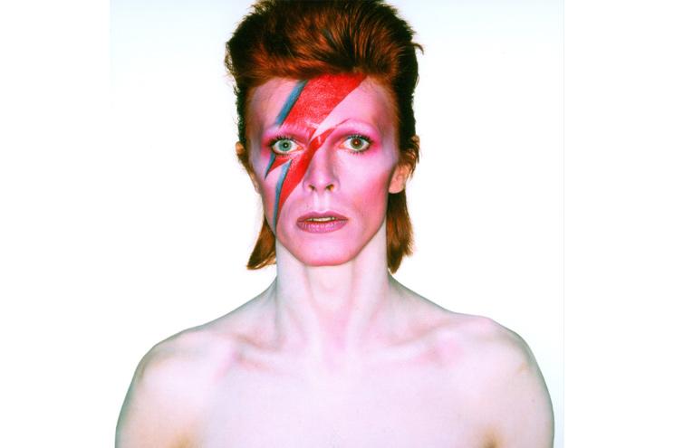 Aufnahme von David Bowie für das Albumcover von Aladdin Sane, 1973, von Brian Duffy, Ausstellung Berlin und London