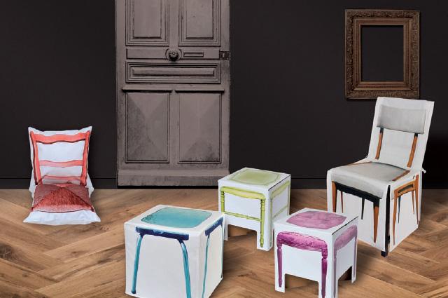 Stuhlhussen in Weiß mit Druck von Vintage Stühlen und Designklassikern von Daycollection, Wohnaccessoires, Heimtextilien, Tischdecken, Handtücher, Servietten, Kissen