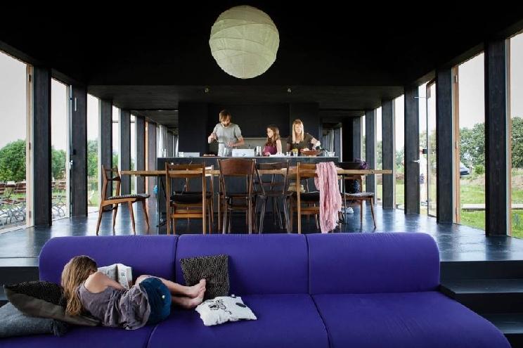 Familienurlaub in der Uckermark, das schwarze Haus als Ferienhaus in Brandenburg mieten, Familien, Preise, buchen