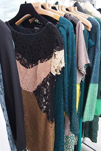 Kollektion Herbst/Winter 2013/14 von Modelabel HOSS INTROPIA aus Spanien mit Spitzenkleid, Seidenkleider und Paillettenkleid