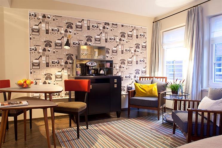 Hotel Henri Hamburg - Geräumiges Studio mit offenem Bad, Kaffeebar und Kitchenette