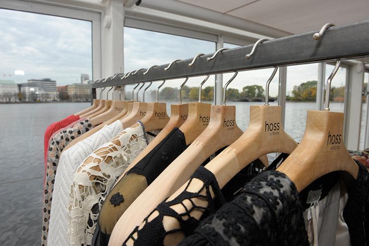 Herbst/Winter Kollektion 2013/14 Hoss Intropia, Seidenkleider und Kleider mit Stickereien