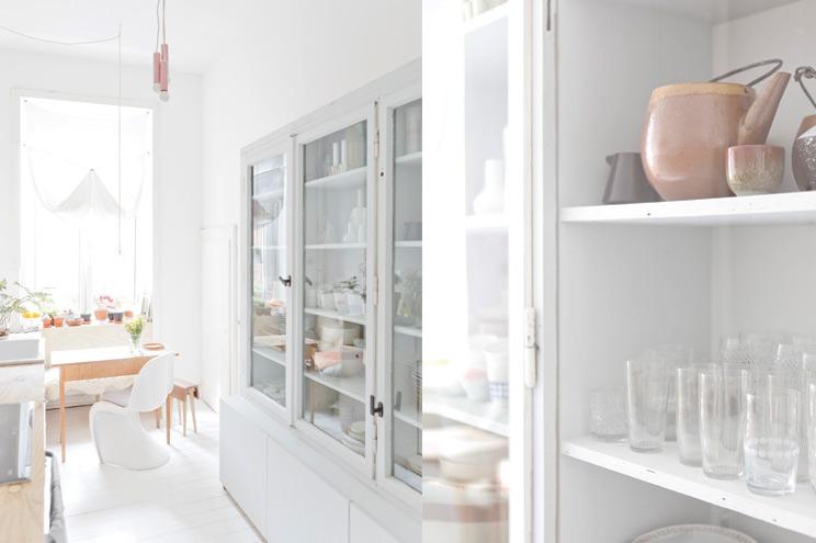 Küche Einrichtung und Inspiration in Weiß, Dekoration, Panton Vitra Chair weiß,