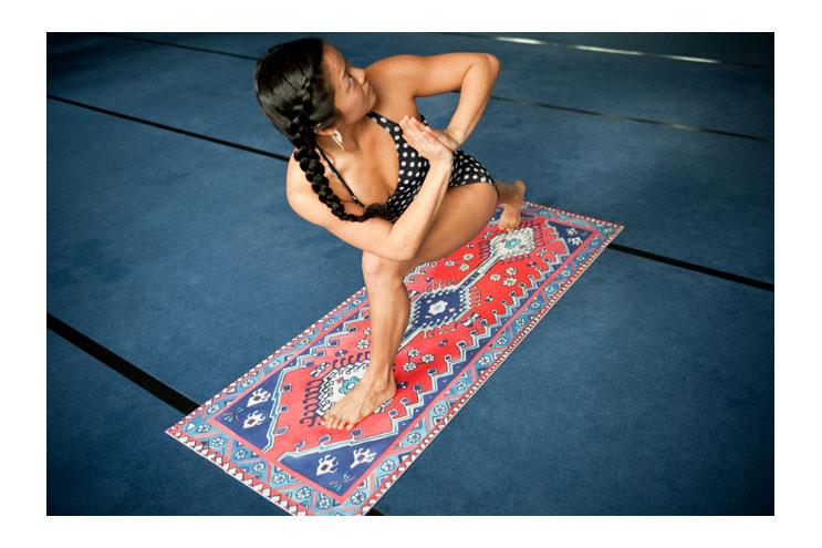 design-yogamatten von amerikanischer künstlerin