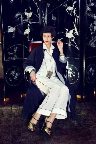 Herbst/ Winter 2013 Kollektion von Olivia von Halle - The Shanghai Collection - Seidenpyjamas und Schlafanzüge aus Seide, Schlafanzug in Weiß mit Paspel