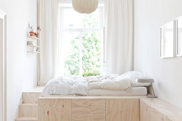 Bett zum Selberbauen in der Wohnung von Studio Oink, DIY, Schlafzimmer