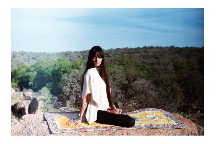 natürlich bemalte yogamatten von magiccarpet