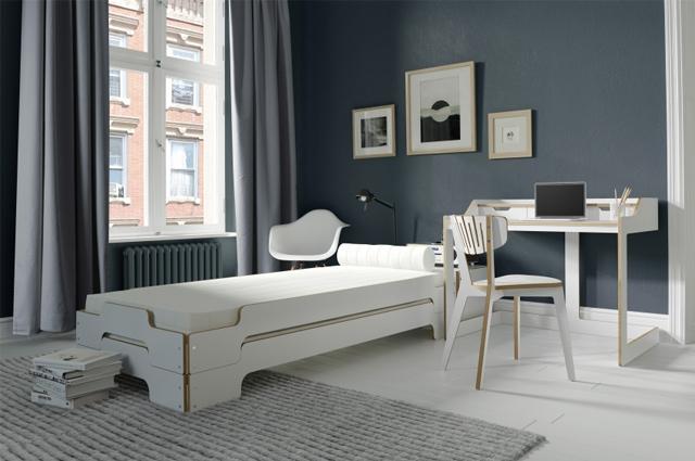 Das Bett zum Stabeln als Designklassiker - die Stapelliege in Weiß von Müller Möbelwerkstätten, Stühl, Schrank, möbel, design, online bestellen