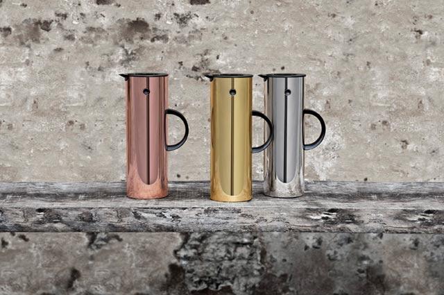 EM77 Thermoskanne von Stelton, Design Erik Magnussen in Kupfer und Gold aus der Hot Metal Serie, Isolierkanne, Designklassiker, Kaffeekanne, Teekanne