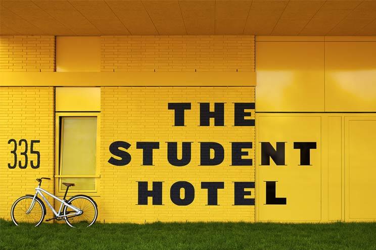 The Student Hotel Amsterdam, Aussenansicht, Logo, billig, günstig, reisetipp,